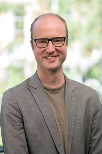 Dr Niels Wouters